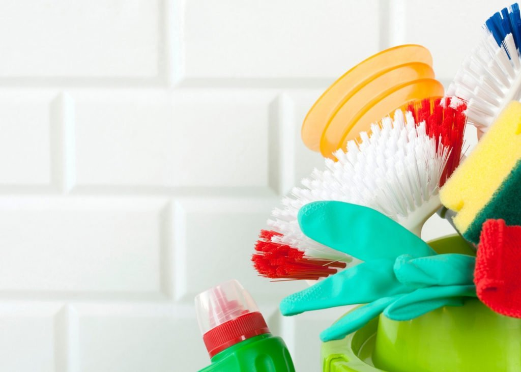 cleaning-mold-from-shower-grout