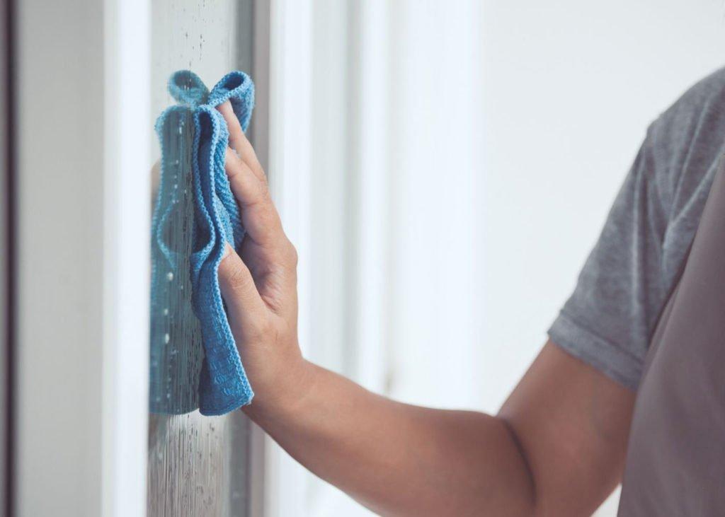 clean-window-sills